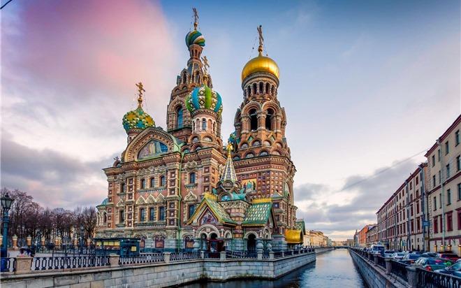 Choáng ngợp trước kiến trúc lộng lẫy ở 'Thành phố của những cung điện'