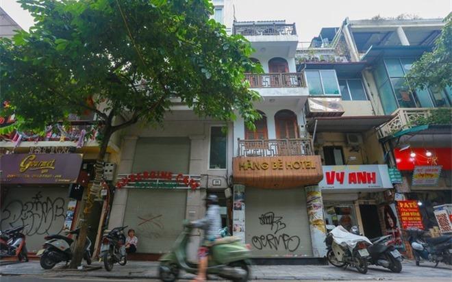 Làn sóng 'bán tháo' khách sạn Hà Nội chưa dứt